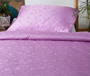 Do fialovej farby ladené nádherné damaškové obliečky Bohema Lúčne kvety fialové, Dadka