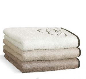 Zo 100% bavlny kvalitný uterák a osuška Nora elipsy 450g / m2, | osuška béžová, rozmer 70x140 cm., osuška hnedá, rozmer 70x140 cm., osuška smotanová, rozmer 70x140 cm., uterák béžový, rozmer 50x100 cm., uterák hnedý, rozmer 50x100 cm., uterák smotanový, rozmer 50x100 cm.