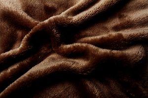 Jednofarebné mikroflanelové prestieradlo vo farbe tmavo hnedej, | rozmer 90x200 cm., rozmer 180x200 cm.
