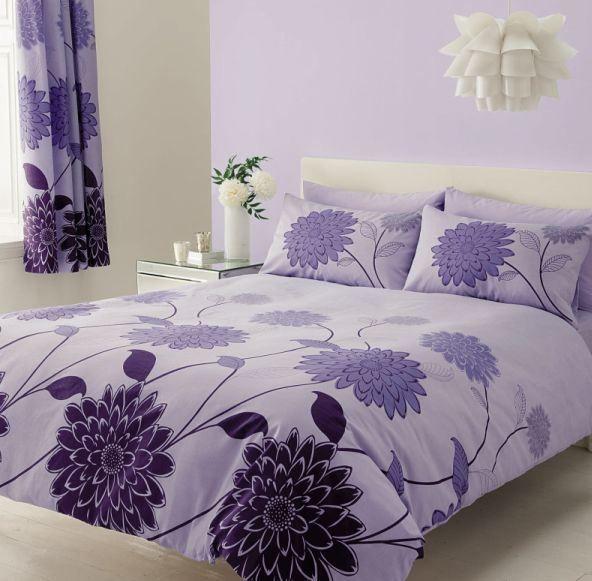 Pekné krepové obliečky s veľkými tmavo fialovými kvetmi Valerie fialová, Petr Smolka